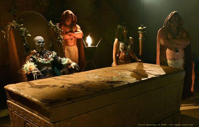 mummyintomb_640_jpg