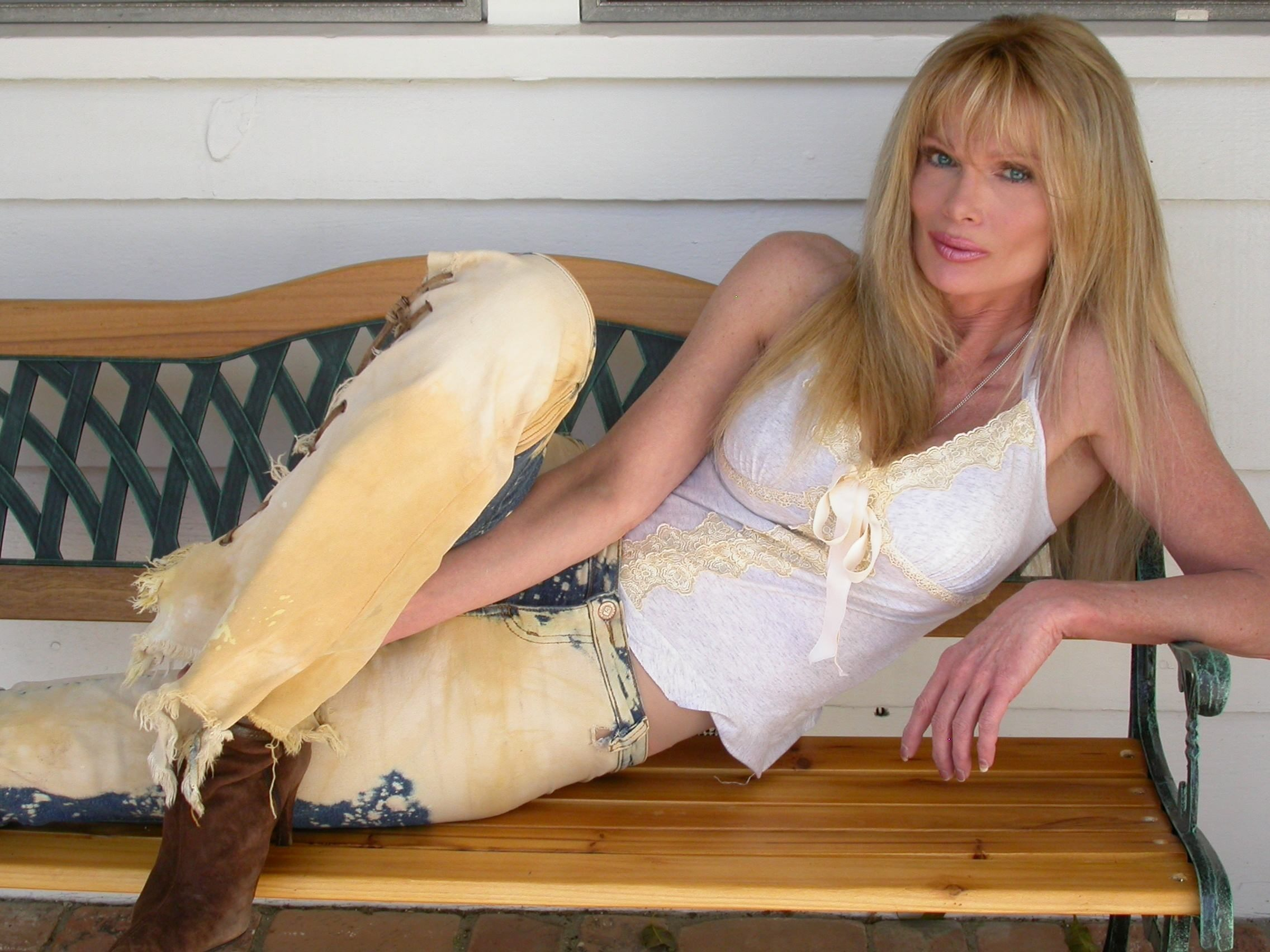 Laurene Landon Laurene Landon new pictures